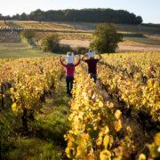 séance famille lifestyle dans le beaujolais