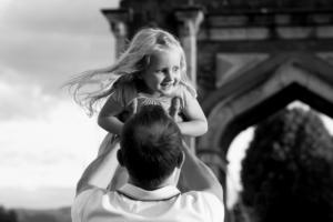 Père et fille, séance photo grossesse famille région Rhône-Alpes-Auvergne.