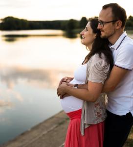 Séance grossesse future maman famille lifestyle Trévoux Ain