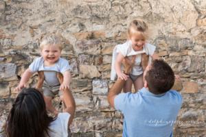 Photographe famille Lyon lors d'un shooting.