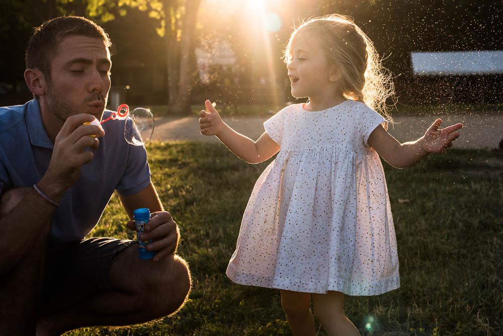 Père et sa fille lors d'un shooting photo à Lyon.