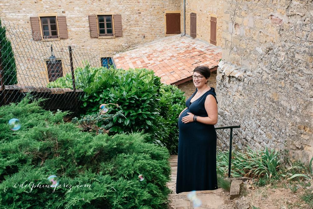 Maternité en région lyonnaise et Beaujolais