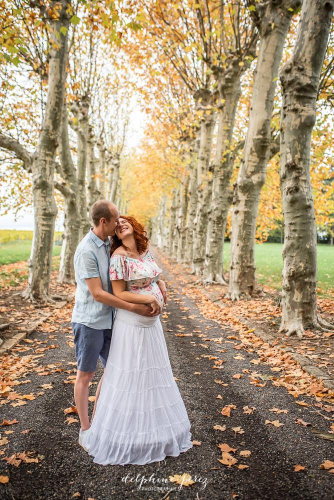 Shooting photo grossesse et couple en extérieur