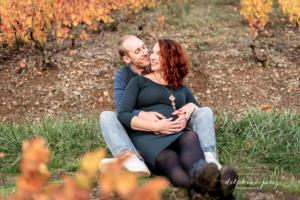 Séance photo couple et grossesse dans le Beaujolais