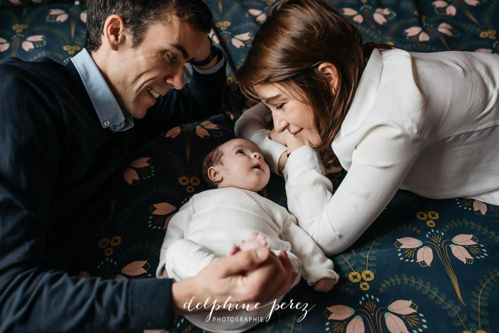 Photographe professionnelle bébé Lyon et Villefranche-sur-Saone